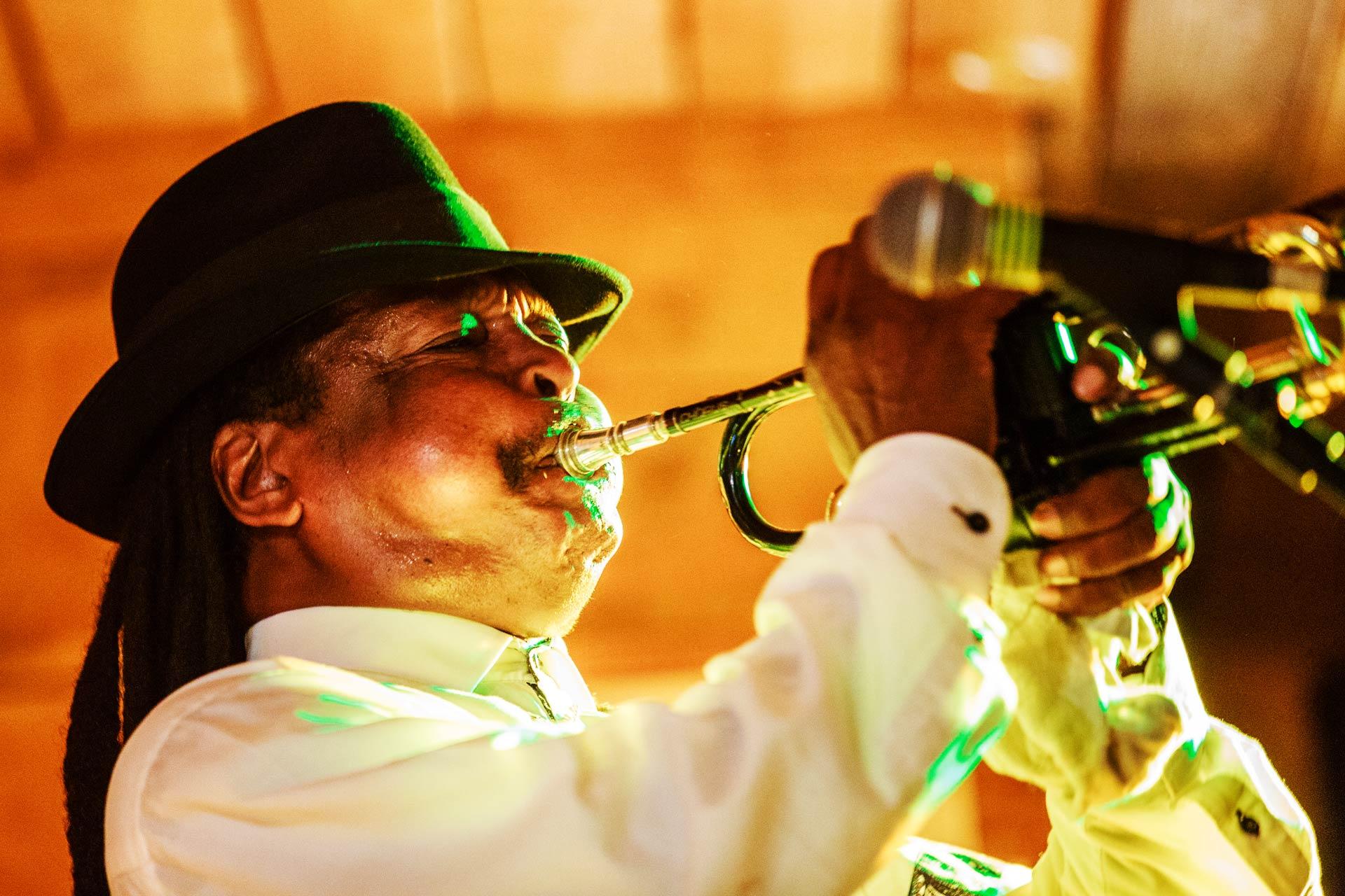 Restaurant Brasserie Le P'tit Caboulot » Concert Blues avec Boney Fields Samedi 22 Décembre